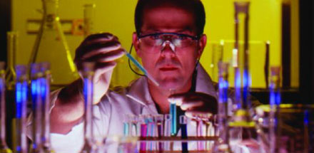 C&EN: COVER STORY - PHARMACEUTICAL BUSINESS - FIGHTING THE CLOCK